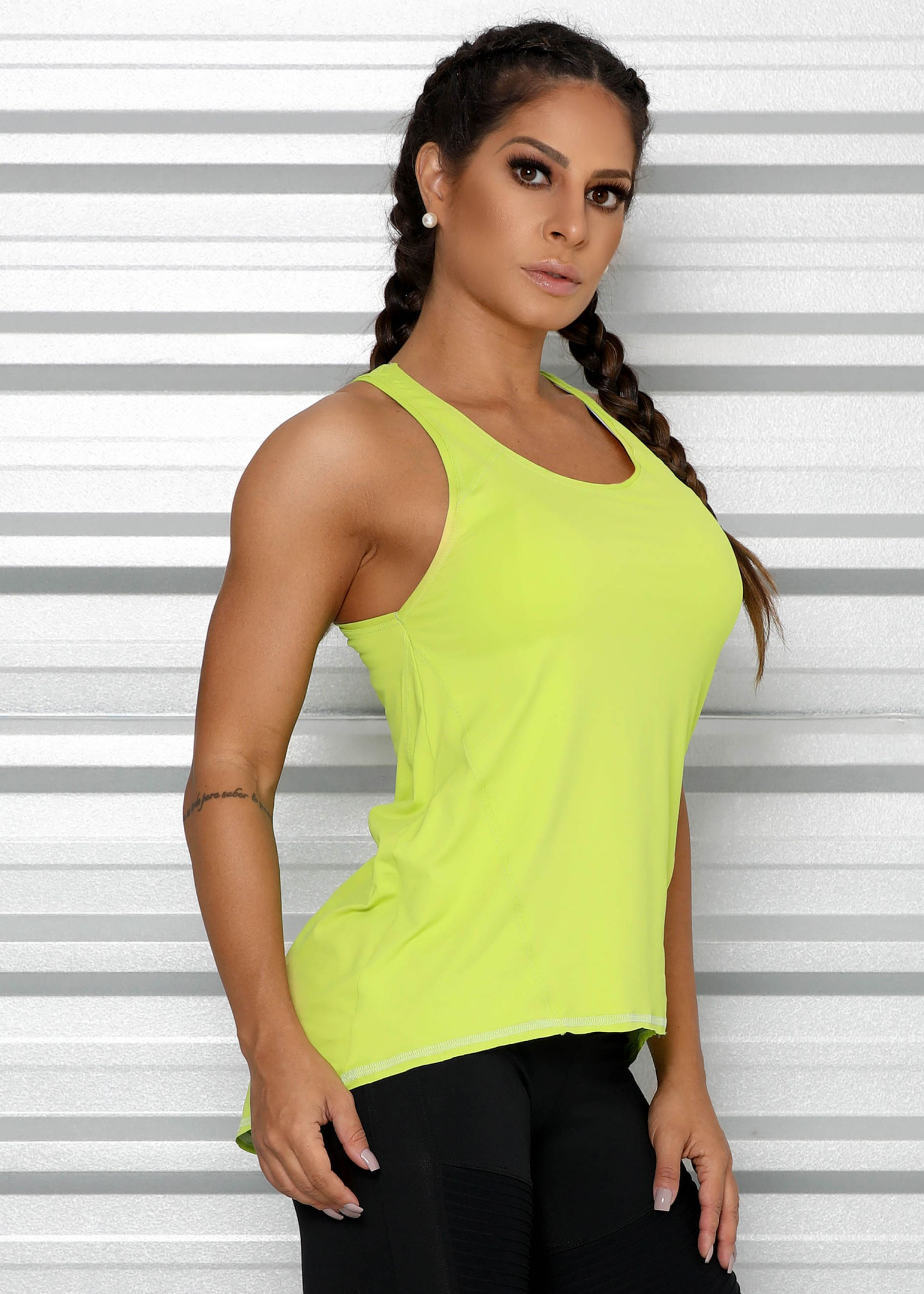 Regata Nadador Mullet com Recortes em Microfibra Geladinha - Donna Carioca  - Moda fitness com preço de fábrica 6b70bb62c8f