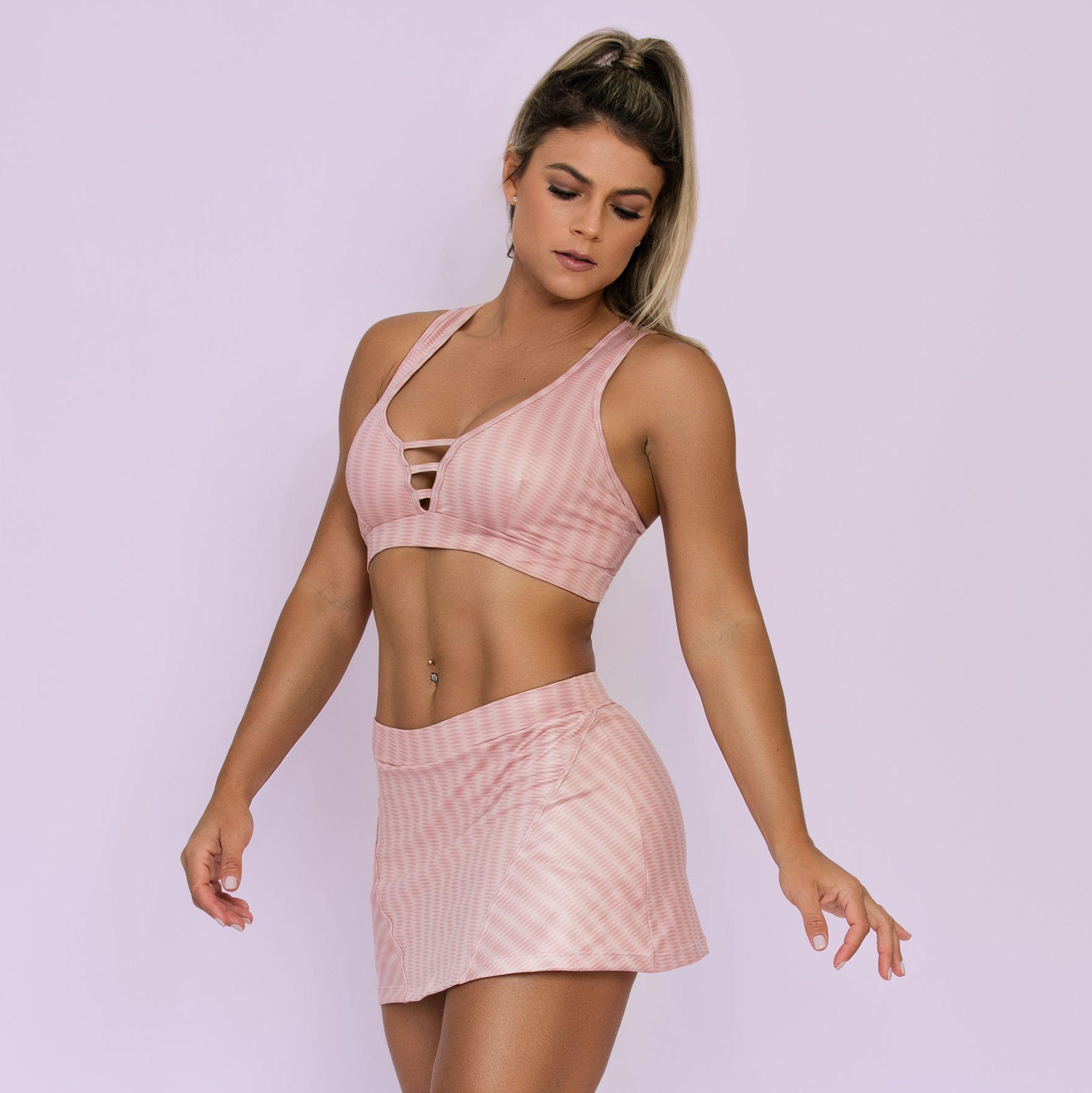 2432ffb6cf23 ... Moda Fitness · Conjunto; Conjunto Blush em Cirrê Estampado. 88%  poliéster. 12%elastano. 1