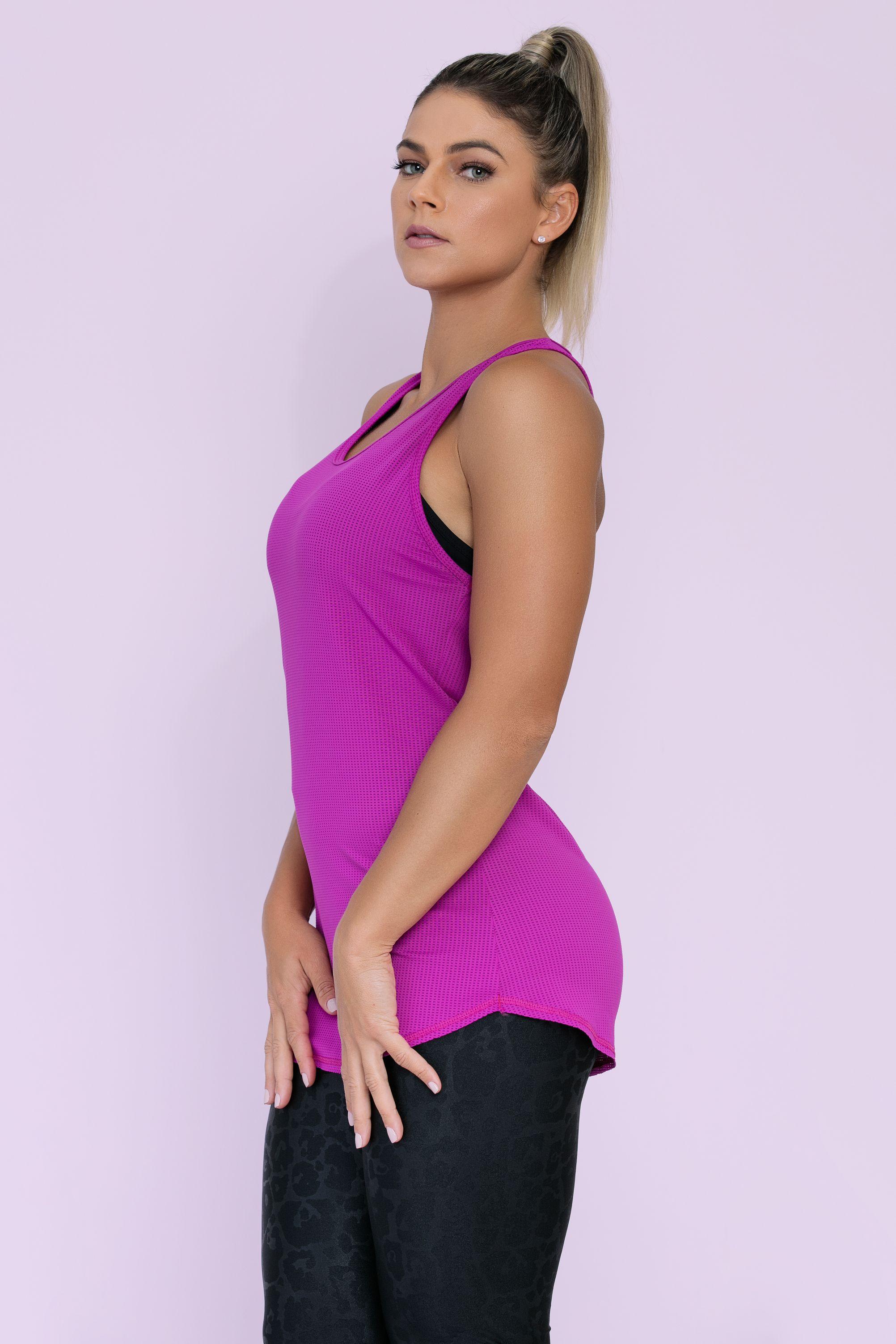 ... Moda Fitness · Camiseta   Regata  Regata Strappy em Tecido Dry Fit  Furadinho. 88% poliéster. 12% elastano. 1 3fb18d888a1