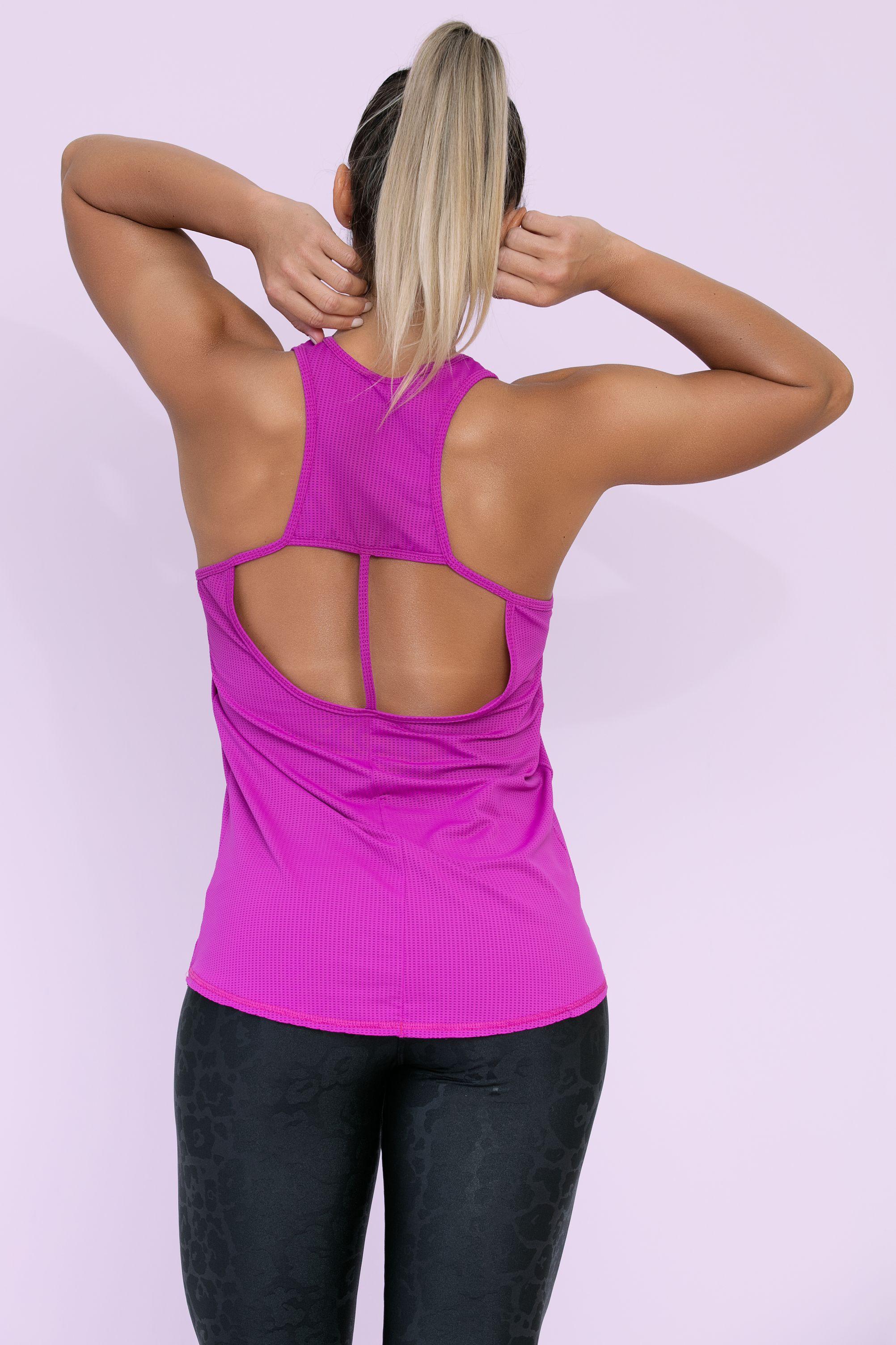 Regata Strappy em Tecido Dry Fit Furadinho - Donna Carioca - Moda fitness  com preço de fábrica ed3d2750a54