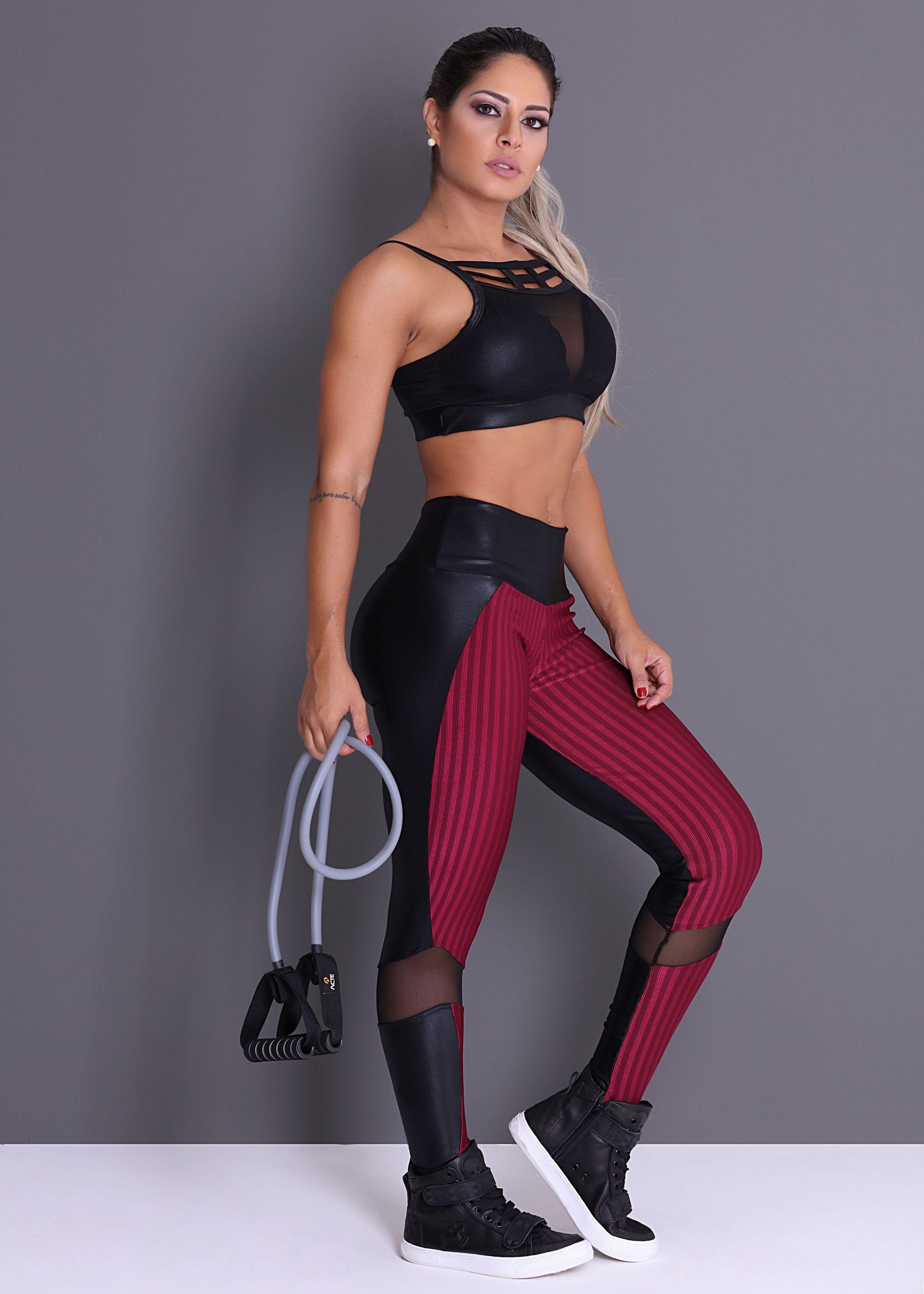 72224bdf5 Legging Movement Vinho - Recortes em Cirrê com Tule e Tecido Canelado -  Donna Carioca - Moda fitness com preço de fábrica