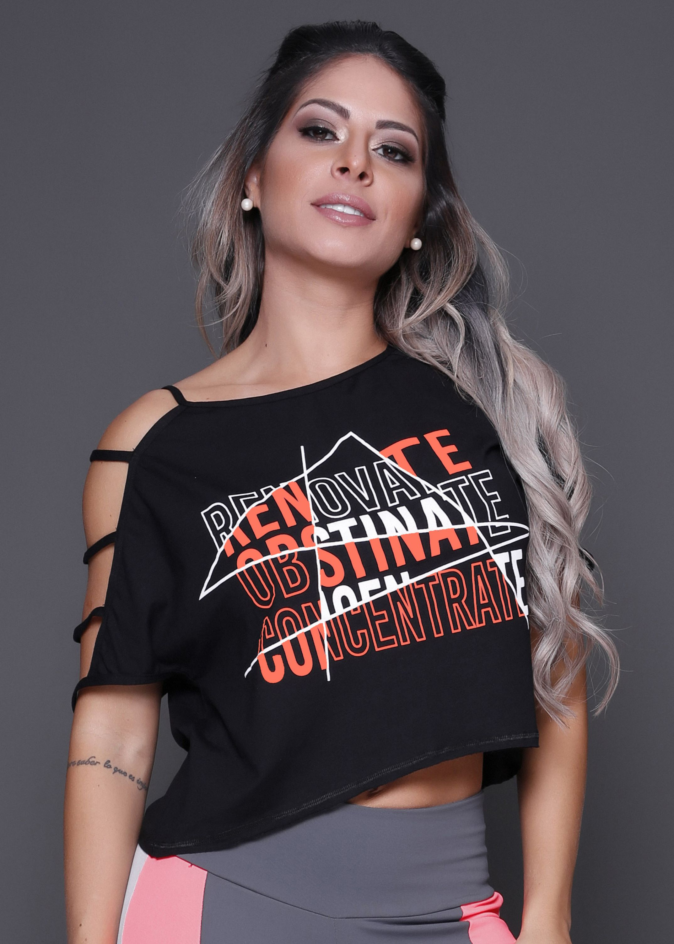 Cropped Renovate com Tiras - Donna Carioca - Moda fitness com preço de  fábrica cbb15fbfaf9